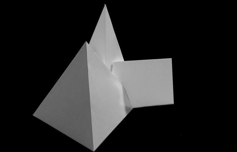 Moberg_Agnes_ue2_Papiermodell.jpg